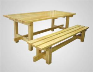 Стол и лавка из дерева